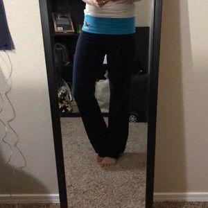 967b304290815 Women Hollister Yoga Pants on Poshmark